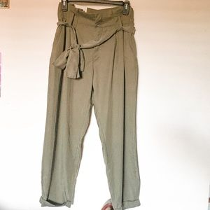 High Rise Belted Cropped Pants